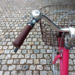 自転車に乗った目線