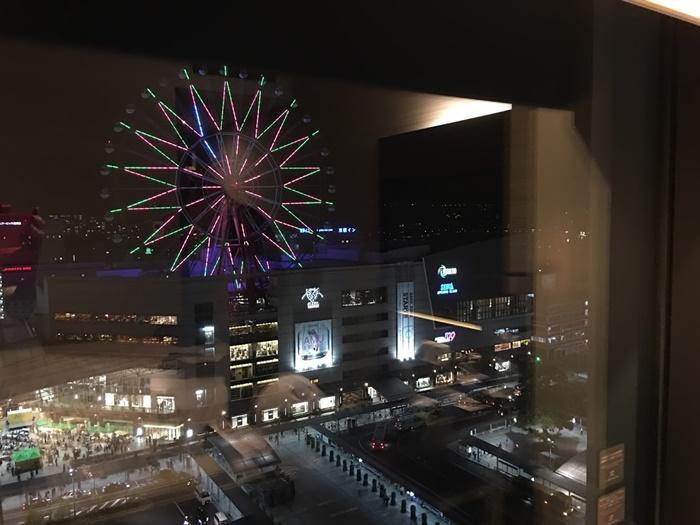 ホテルから見るアミュランのイルミネーション