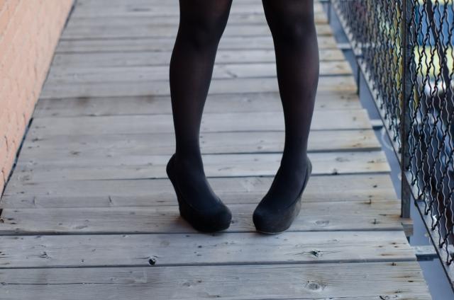 タイツをはいた足