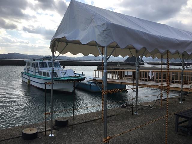 高島の定期船乗り場