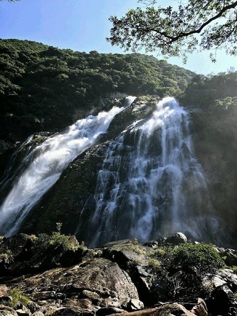 水量多めの大川の滝