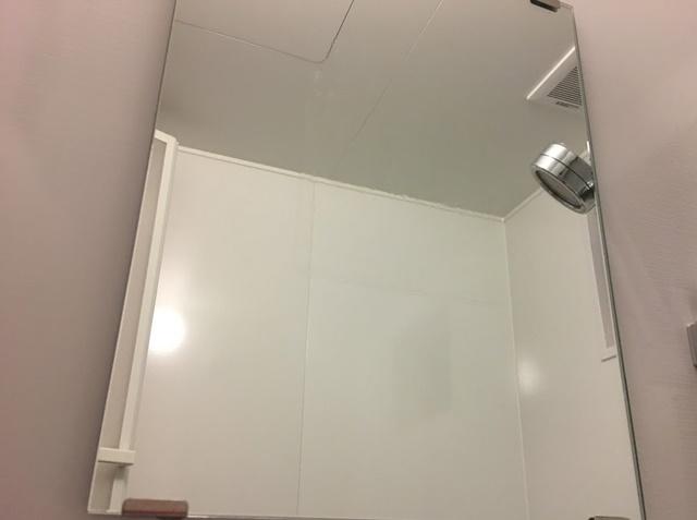 くもり止めフィルムを貼った鏡