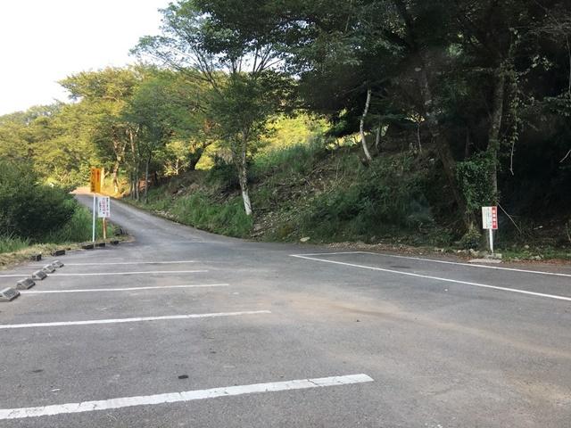 東椎屋の滝の駐車場