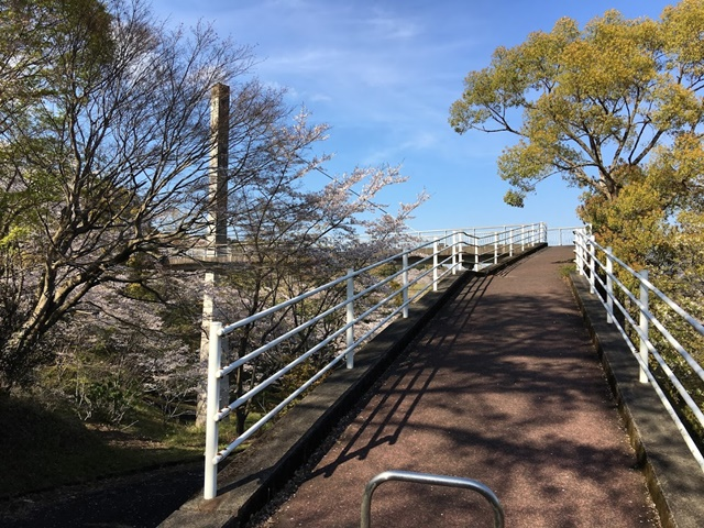 丸岡公園の遊覧橋