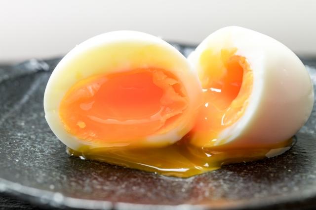 黄身とろとろの半熟卵