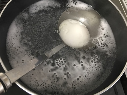 殻を剥いたゆでたまごの再加熱